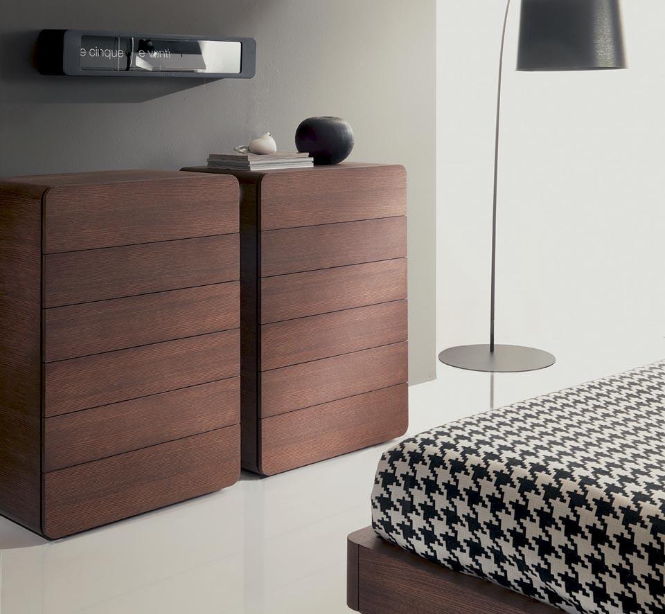 Comodini moderni camere moderne mobili contenitori for Cassettiere moderne